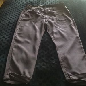 GAP cropped pants